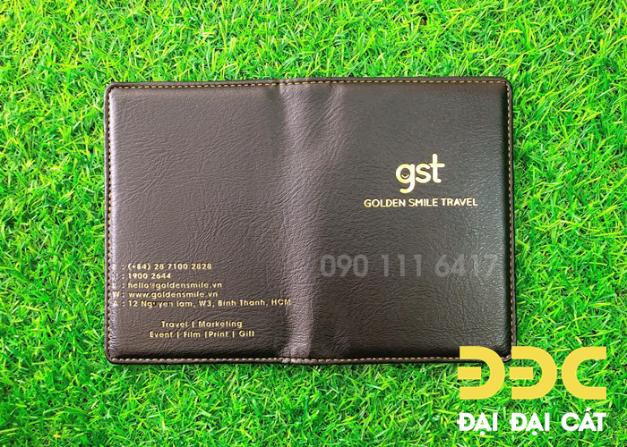 vi-passport-cover3.jpg